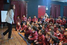 Contando cuentos en el colegio Jesus María.