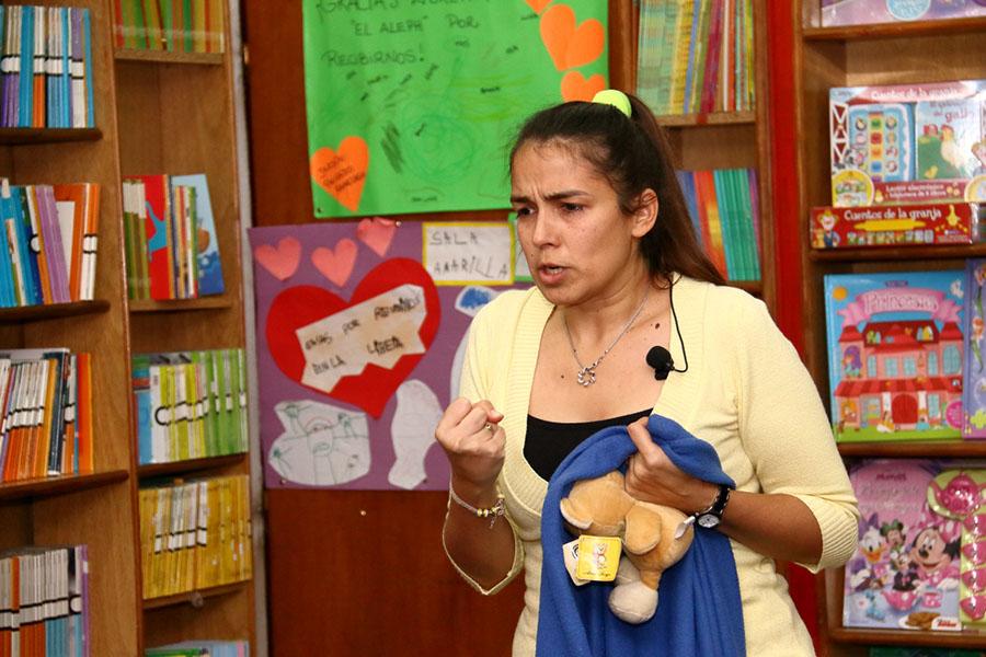 Leticia Bolaño en la librería El Aleph de Berazategui